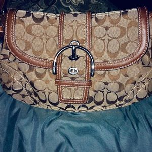 Coach Classic Beige/brown authentic shoulder bag